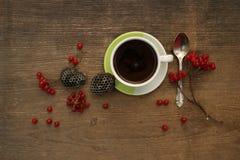 Kaffeemorgen mit Beeren Stockbild