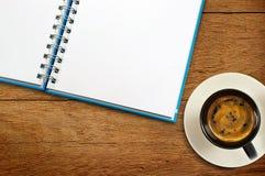 Kaffeenotizbuch Stockfotos