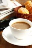 Kaffeepause bei der Arbeit Stockbilder