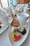 Kaffeepause und siamesischer Nachtisch stockbild