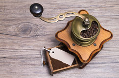 Kaffeesatz mit Aufkleber Lizenzfreies Stockfoto