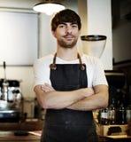 Kaffeestube barista Mann Innen lizenzfreies stockbild