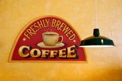 Kaffeestube-Zeichen Stockfotos
