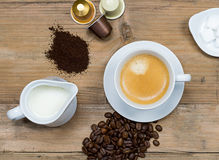 Kaffeestubekonzept Lizenzfreie Stockbilder
