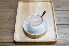 Kaffeetasse auf der Tabelle Lizenzfreies Stockfoto