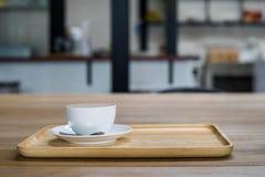 Kaffeetasse auf der Tabelle Stockbilder