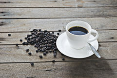Kaffeetasse auf Holz Lizenzfreies Stockbild