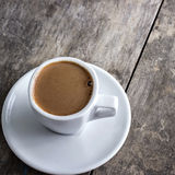 Kaffeetasse auf Tabelle Lizenzfreie Stockbilder