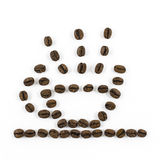 Kaffeetasse hergestellt von den Kaffeebohnen auf weißem Hintergrund Lizenzfreie Stockbilder