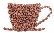Kaffeetasse hergestellt von den Kaffeebohnen getrennt auf Weiß Lizenzfreie Stockfotografie