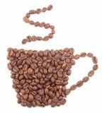 Kaffeetasse hergestellt von den Kaffeebohnen lokalisiert auf weißem Hintergrund Lizenzfreie Stockfotografie