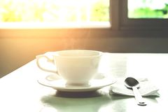 Kaffeetasse im Morgen Lizenzfreie Stockbilder