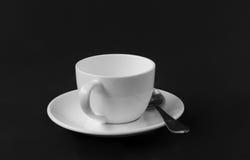 Kaffeetasse lokalisiert auf schwarzem Hintergrund Stockfoto