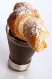 Kaffeetasse mit schwarzem Kaffee stockfoto