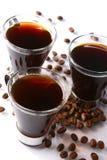 Kaffeetasse mit schwarzem Kaffee lizenzfreie stockbilder