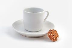 Kaffeetasse, Saucer und Plätzchen Stockbild