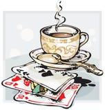 Kaffeetasse und Spielkarten Stockbild