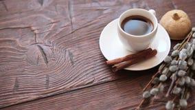 Kaffeetasse- und Weidenniederlassungen, trockene Zitrone, Zimt stock video footage