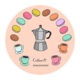 Kaffeetassen, bunte Makronen und Kaffeetopf sind im Satz Lizenzfreie Stockfotografie