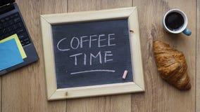 Kaffeezeit geschrieben Stockfotografie