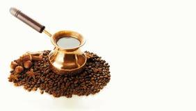 Kaffefilter med vit bakgrund Royaltyfri Fotografi