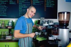 kaffeframställning royaltyfri bild