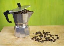 kaffeitalienaretillverkare Arkivfoto
