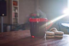 Kaffekopp och kakor Royaltyfria Bilder