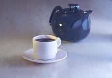 Kaffekopp och kokkärl Arkivbilder