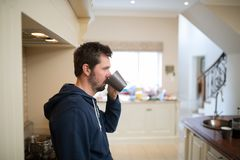 kaffekopp som har mannen Royaltyfria Foton