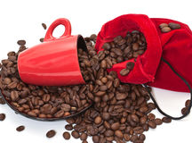 Kaffekorn i en påse Royaltyfri Bild
