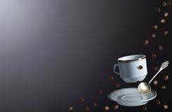 Kaffekruka och kopp av nytt svart kaffe Royaltyfri Bild