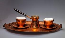 Kaffekrukor och två koppar Fotografering för Bildbyråer