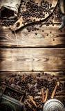 Kaffestil Gammal kaffegrinder Arkivbild