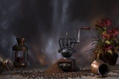 Kaffestilleben i lantlig stil fotografering för bildbyråer