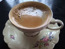 Kaffete mig? Koppla av för kaffe för söndag morgon Arkivbilder
