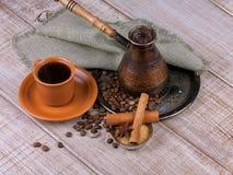 Kaffeturk och kopp kaffe Royaltyfria Bilder