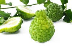 Kaffirlimefrukt med sidor Royaltyfri Foto
