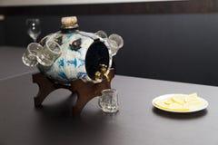 Kagge med alkohol arkivbild