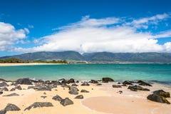 Kahului看法从Kanaha海滩公园,毛伊的 库存图片