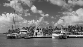 Kaibo-Jachthafen B&W lizenzfreie stockfotografie