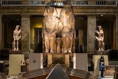 Kair, Egipt, 25 05 2018 wśrodku muzeum Egipskie dawność stwarza ognisko domowe rozległa kolekcja antyczna grafika zdjęcia stock