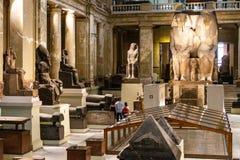 Kair, Egipt, 25 05 2018 wśrodku muzeum Egipskie dawność stwarza ognisko domowe rozległa kolekcja antyczna grafika obrazy stock