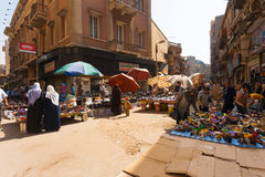 Kairo--Telefonverkehr-Frauen-Schuh Stockfotos