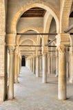 极大的kairouan清真寺门廓 库存图片