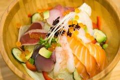 Kaisen-Don délicieux avec les légumes organiques images libres de droits