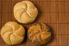 Kaiser与种子的小圆面包 库存图片