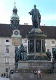 Kaiser Franz II monument Hapsburg slott, Wien, Österrike Italiensk skulptör Pompeo Marchesi i 1846 arkivbild