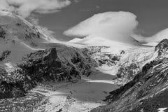 Kaiser Franz Josef glaciär Grossglockner österrikiska fjällängar svart white fotografering för bildbyråer