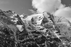 Kaiser Franz Josef glaciärberg, österrikiska fjällängar svart white royaltyfria bilder